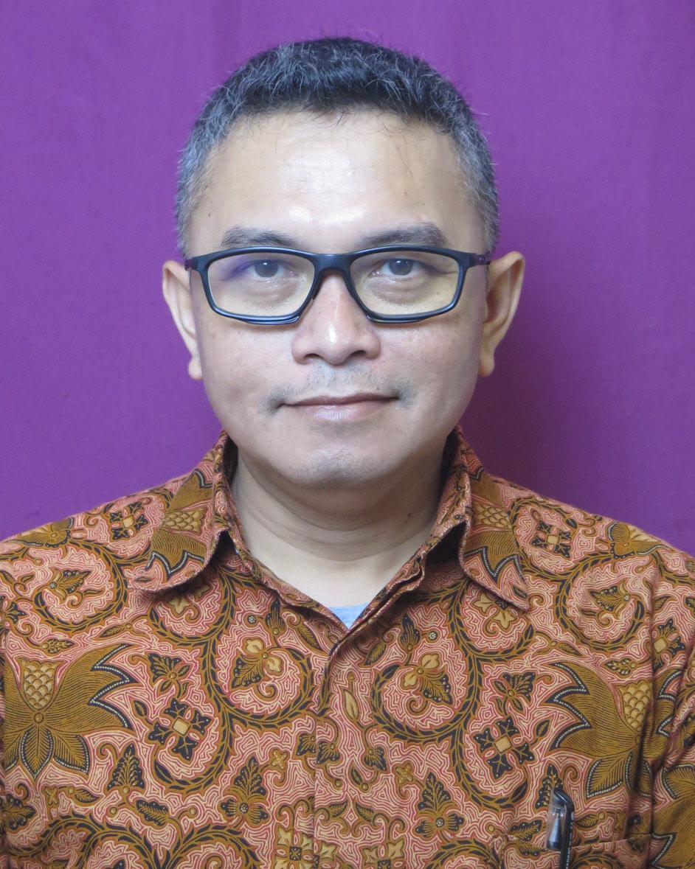 Erwin Rezasyah, S.Ds., MID